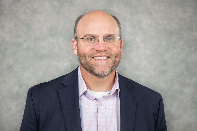 Kraig Sproles, assistant superintendent in Salem-Keizer School District, has been hired as the new superintendent of Bethel School District.