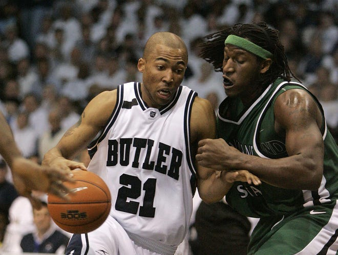 Willie Veasley, shown in 2009 driving to the basket against Cleveland State forward J'Nathan Bullock, remains the only local player to ever play in an NCAA men's championship game.