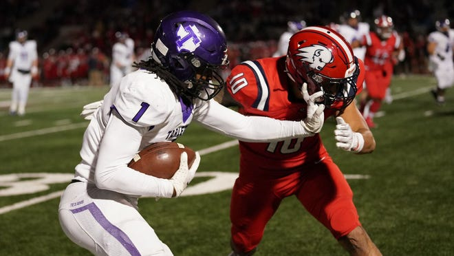 Tarleton's Tariq Bitson had a career-high 202 yards receiving on 12 catches with two scores during Saturday's 37-15 win over Dixie State in St. George Utah.