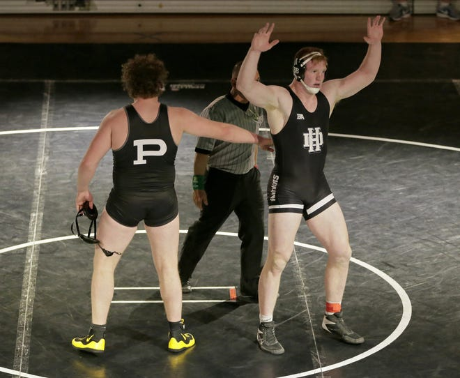 Bradley Weaver of Hilliard Darby beat Aidan Fockler of Massillon Perry in the heavyweight Division I state final March 14 at Darby.