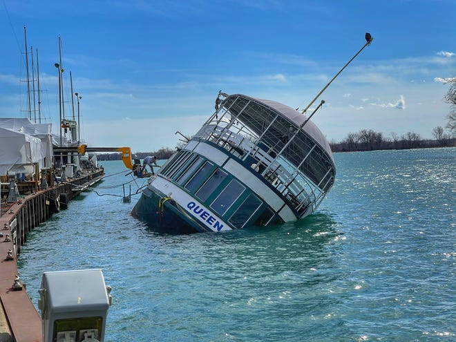 The Queen City towboat sank Sunday at the Bayview Yacht Club. It was being used as a temporary clubhouse.