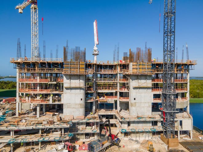 The Ronto Group announced that construction of its 27-floor Omega high-rise tower at Bonita Bay continues to progress at a rapid pace. The clean-lined Omega tower will feature 67 residences, including 63 spacious tower residences and four penthouses.