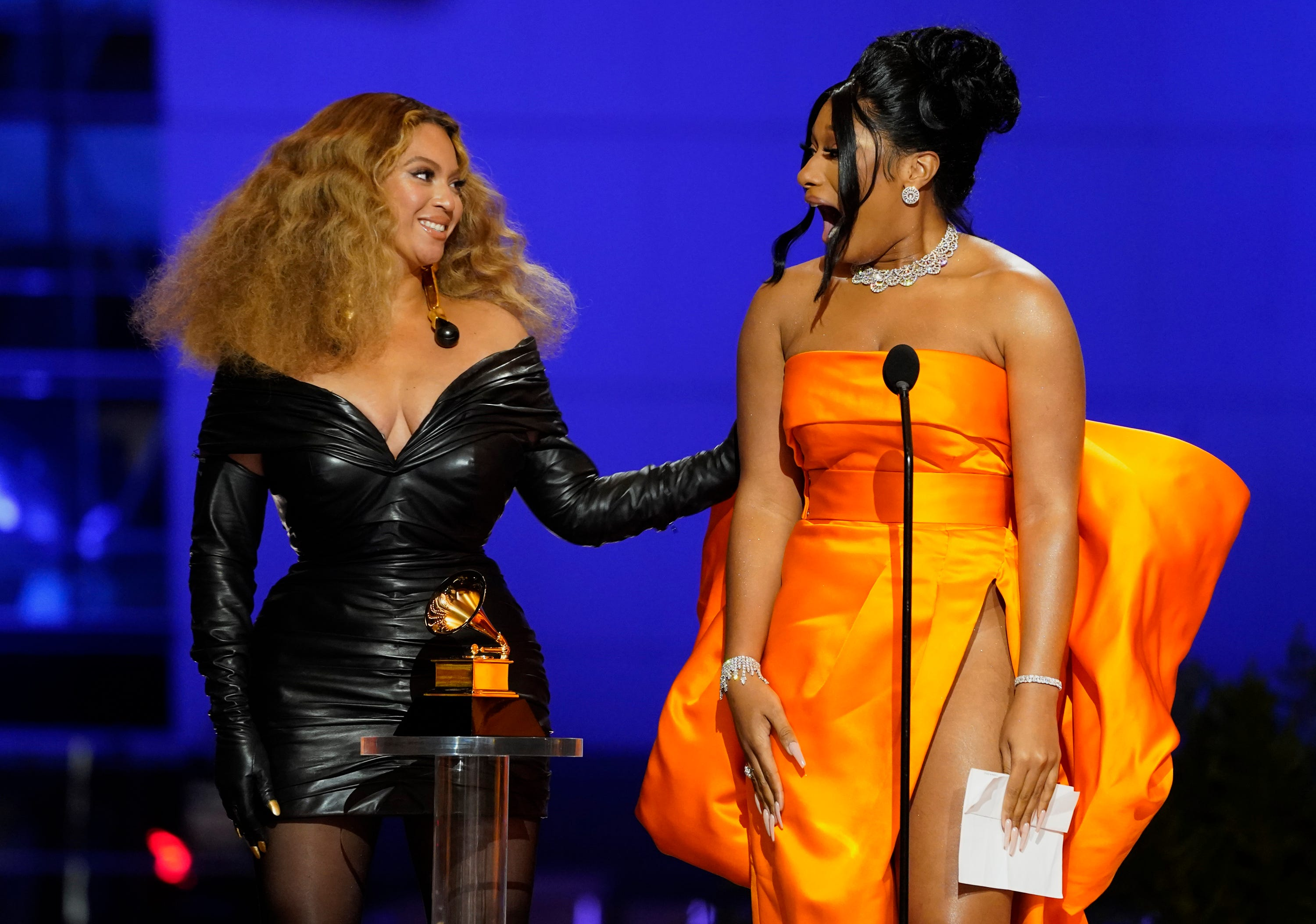 Beyoncé makes surprise Grammys appearance with Jay-Z, tells Blue Ivy she s  so proud