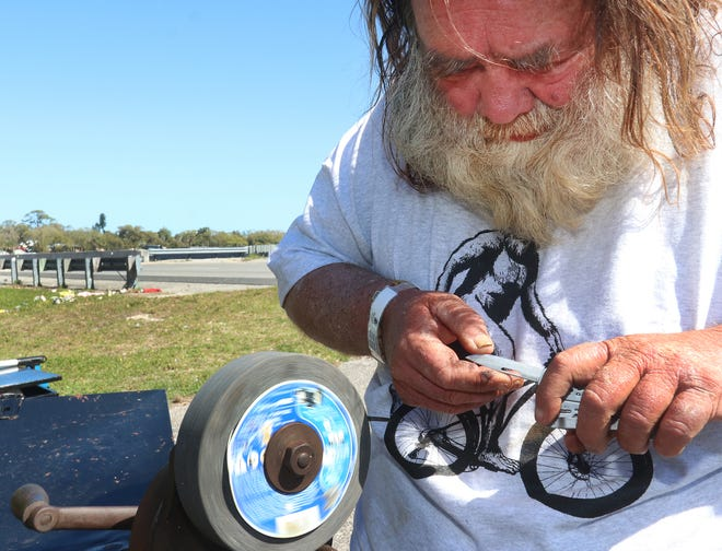 Phillip Vanderhoof, a fixture along Volusia County roads sharpening knives for a living, passed away Monday, June 28, 2021 according to family and friends.