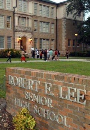 Robert E. Lee High School (file photo)