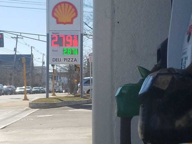 The average price for a gallon of regular unleaded gas sold in Massachusetts has risen 28 cents in the past month.