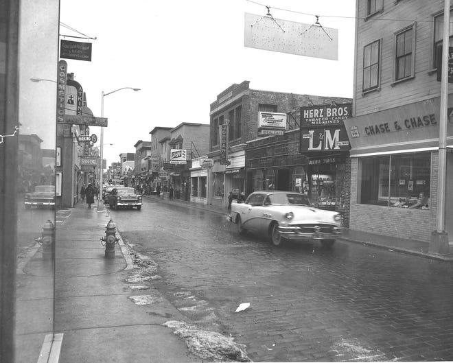 Jan. 19, 1960: Thames St., Newport