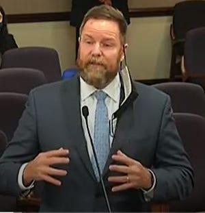 Sen. Aaron Bean, R-Jacksonville, explains SB 1949 to the Senate Committee on Commerce and Tourism on March 15, 2021.