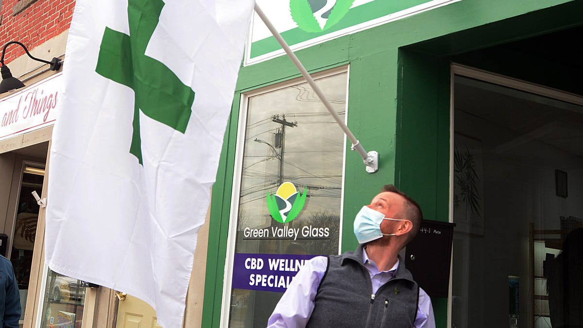 Green Valley Glass seeks to educate the masses on CBD, medical cannabis 3
