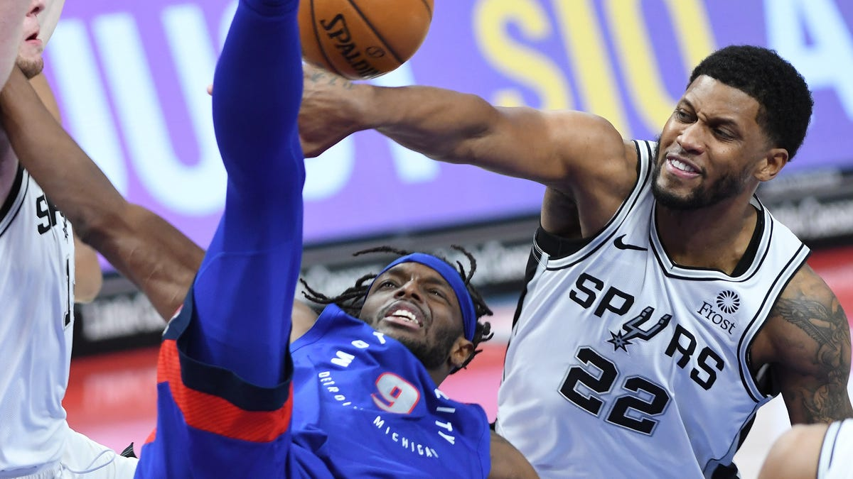 Rested Pistons are no match for hot-shooting Spurs 2