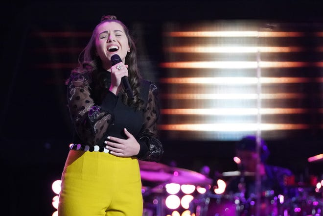 """Milwaukee singer Anna Grace earned a rare four-chair turn with her blind audition on """"The Voice"""" Monday."""