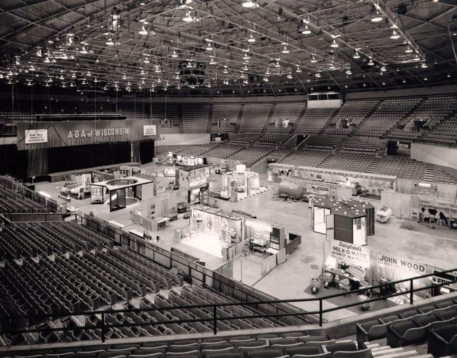 In 1967 the new Veterans Coliseum held food displays, not cattle.