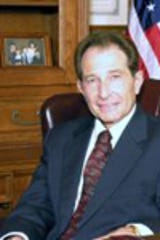 Mayor Robert Novitke