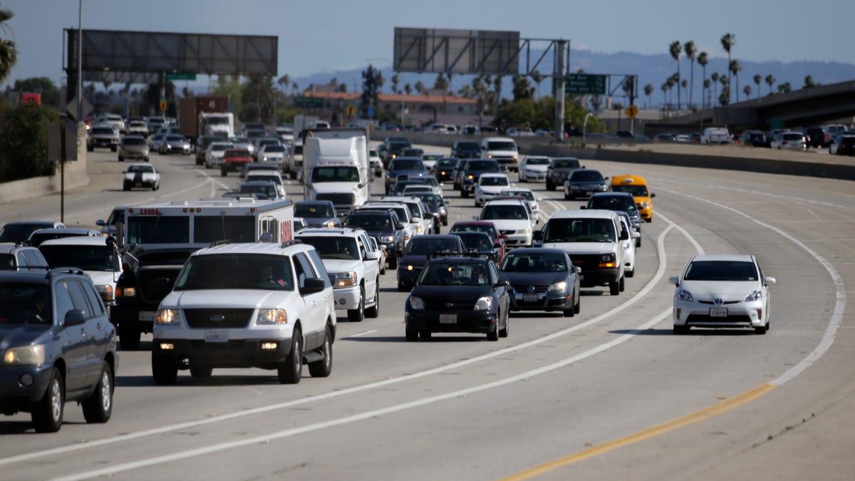 Minor 4.0-magnitude earthquake strikes in Los Angeles area 2