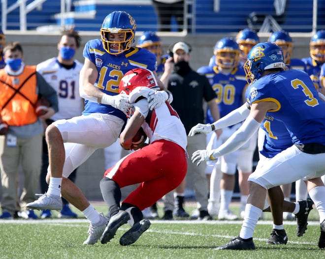 Logan Backhaus (12) and South Dakota State travel to Carbondale this weekend to face Southern Illinois