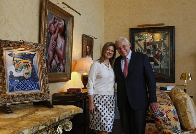 Les and Abigail Wexner, shown in a 2015 photo, have sold more than $500 million in L Brands shares this spring.