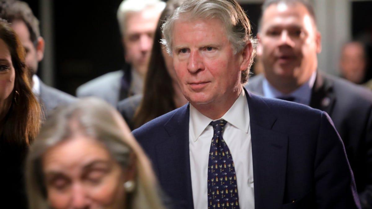 Trump's taxes in hand, Manhattan DA's probe heats up 3