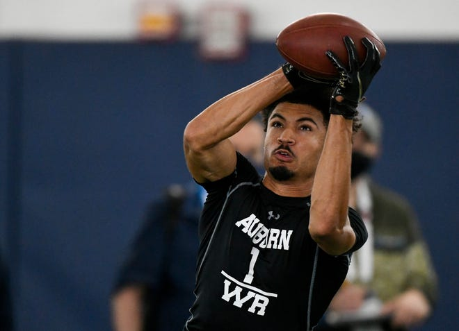 Anthony Schwartz makes a catch during Auburn's Pro Day on Thursday, March 18, 2020 in Auburn, Ala.