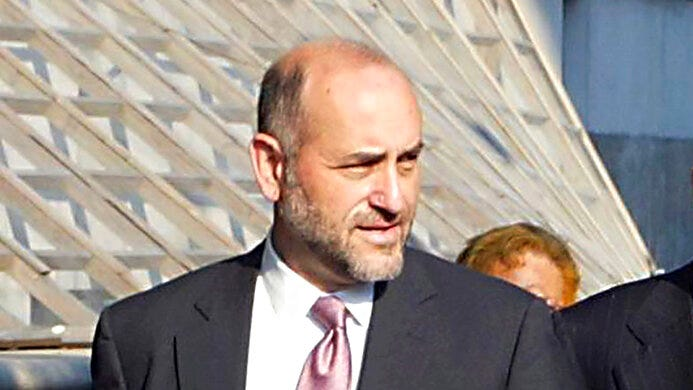 In this Aug. 12, 2002 file photo, attorney Mark Pomerantz arrives at Federal Court in New York.