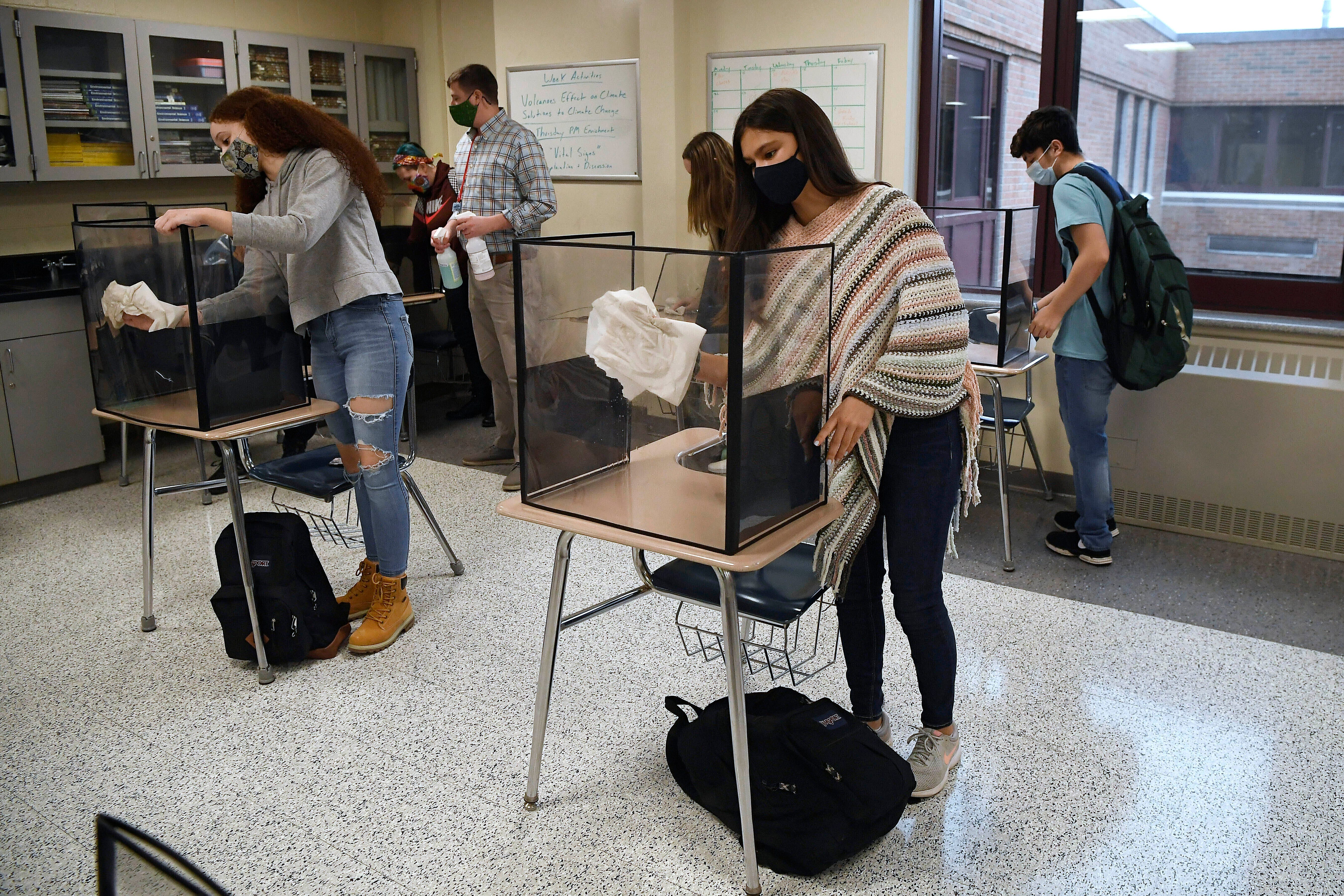 CDC changes school guidance, allowing desks to be closer 2