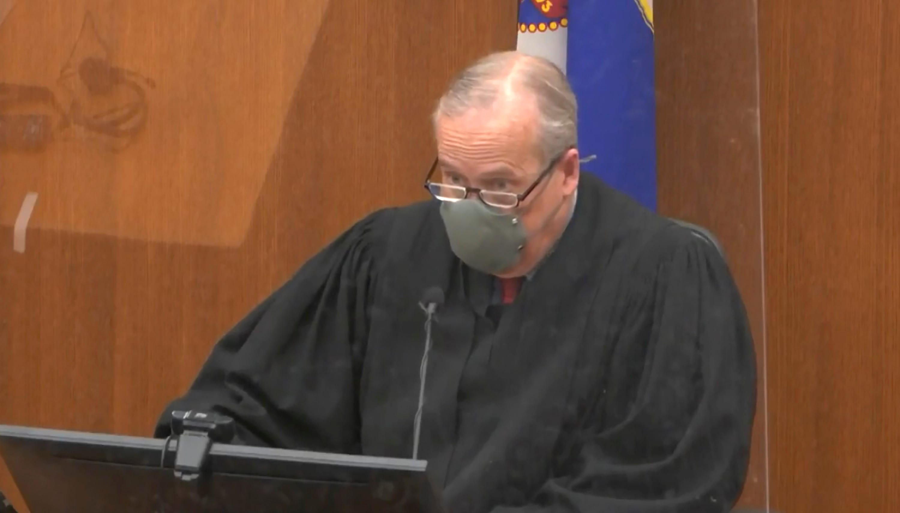 Judge limits evidence, refuses to move trial in Floyd death 2