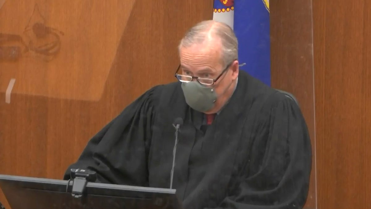 Judge limits evidence, refuses to move trial in Floyd death 3