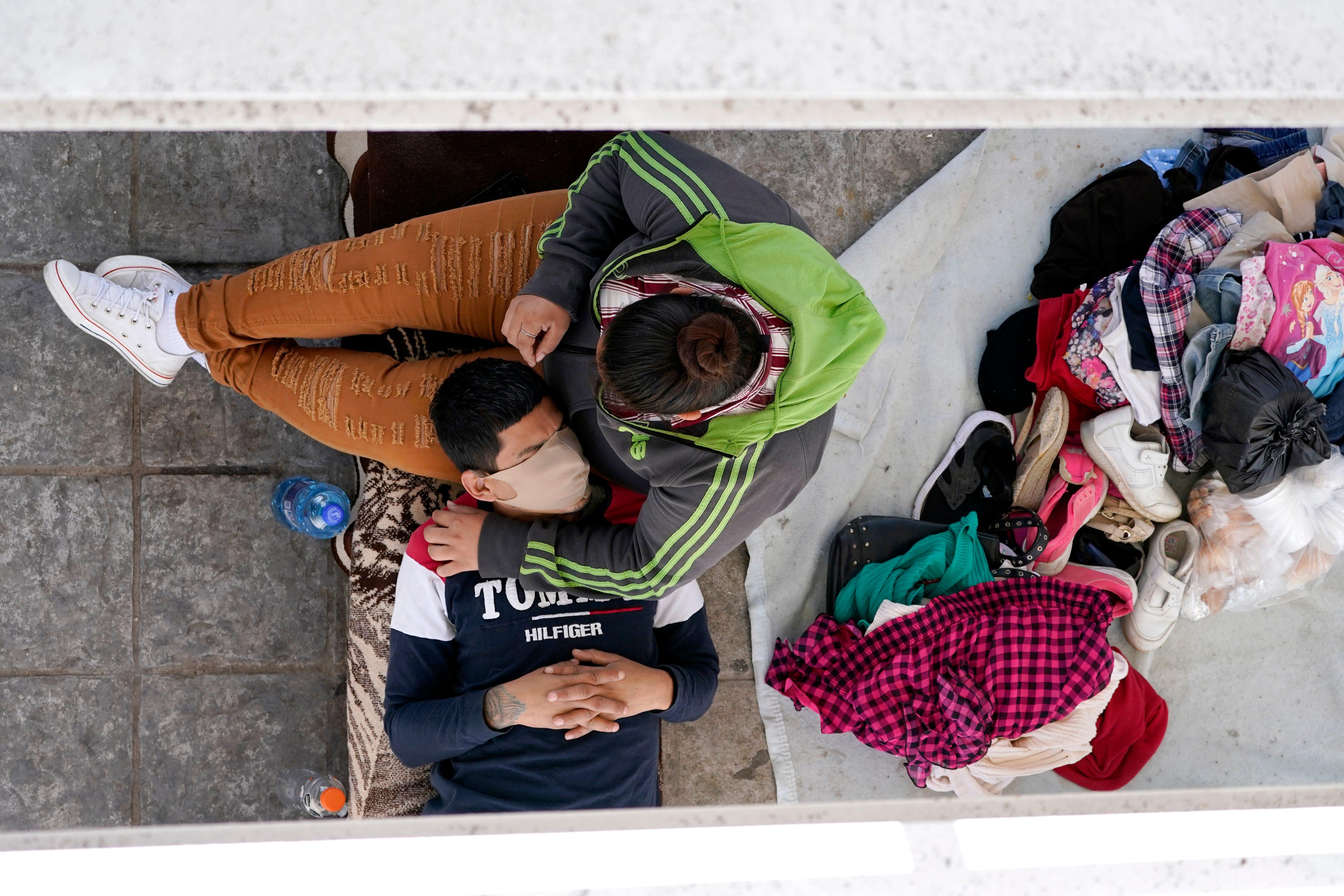 Emergency sites for migrant children raising safety concerns 2