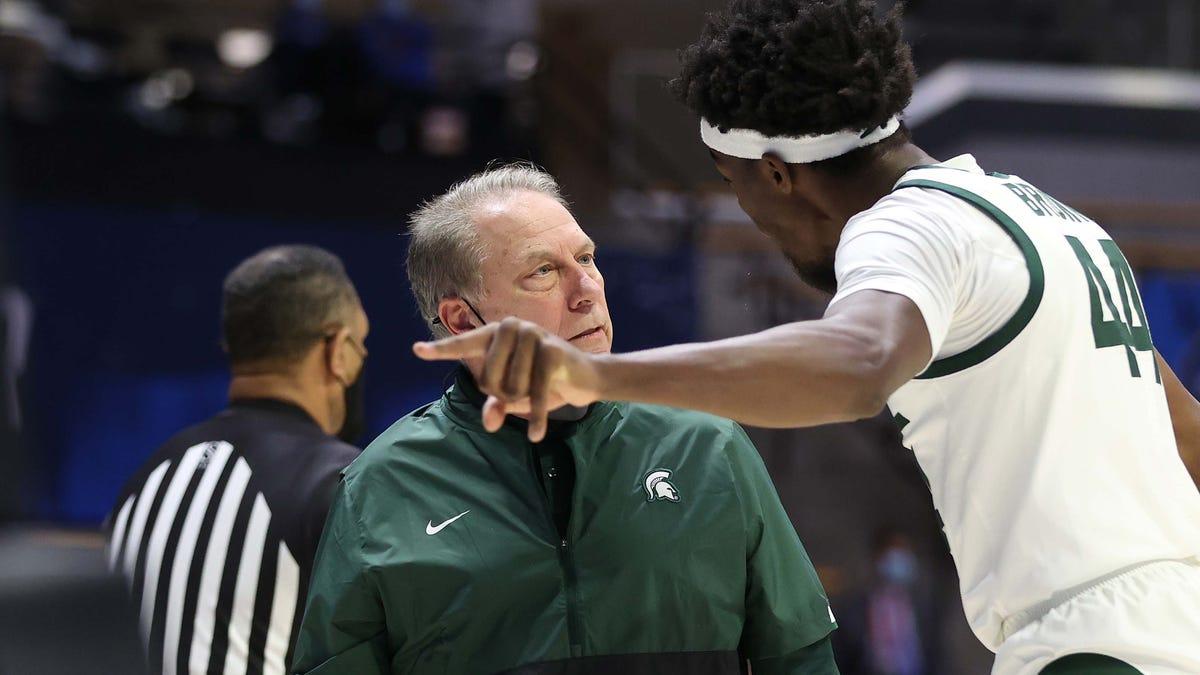 Michigan State mum on Tom Izzo's outburst as peers rush to coach's defense 2
