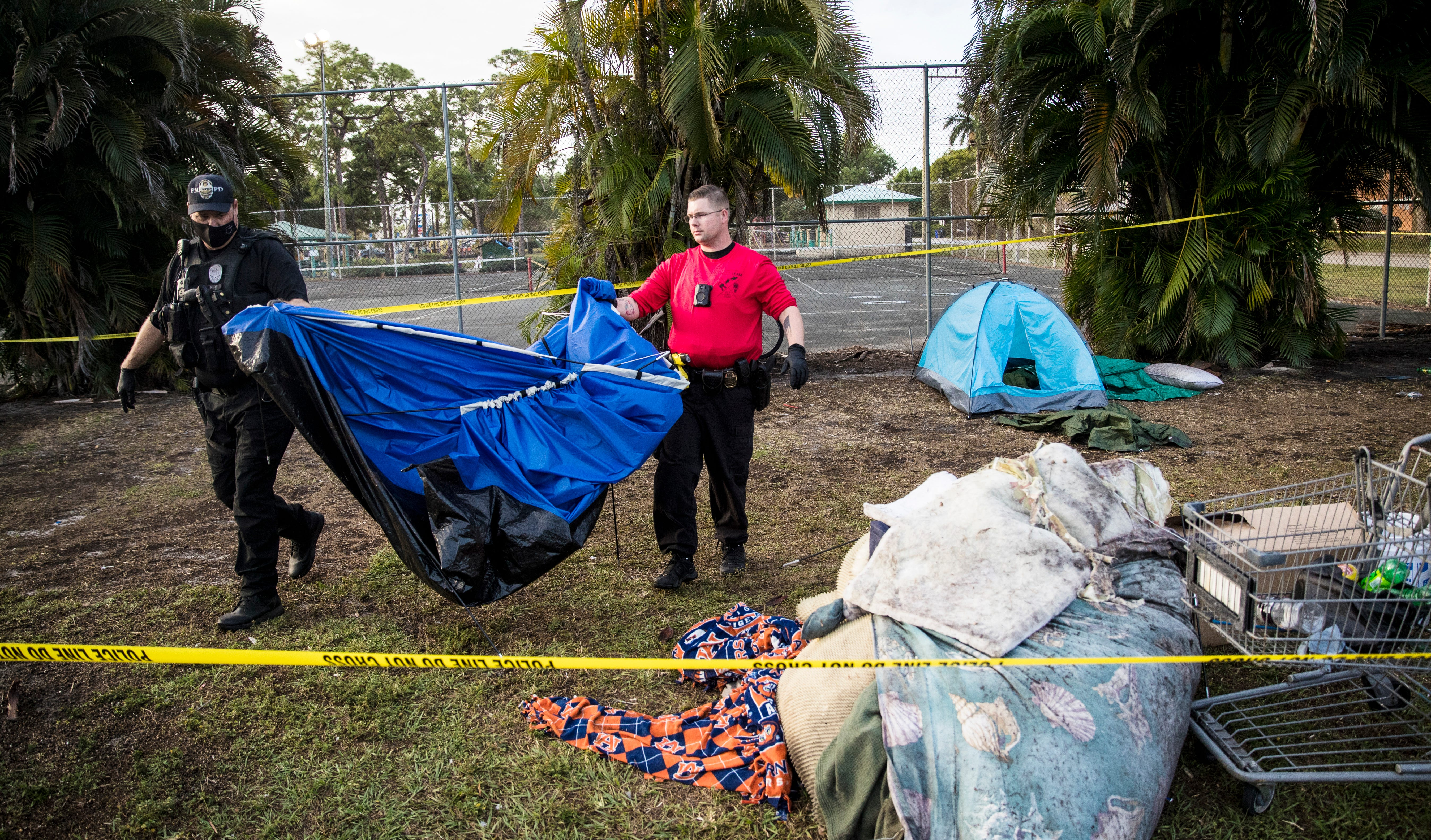 Fort Myers park cleared of overnight stays by homeless; 'We can't arrest our way out of this problem' 3