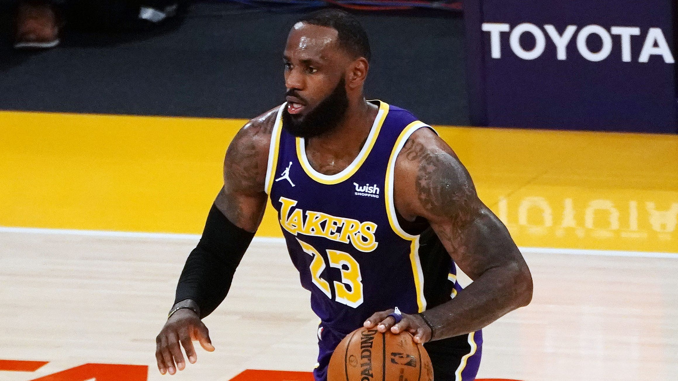 LeBron James explains why he deleted tweet about Columbus police shooting of Ma'Khia Bryant
