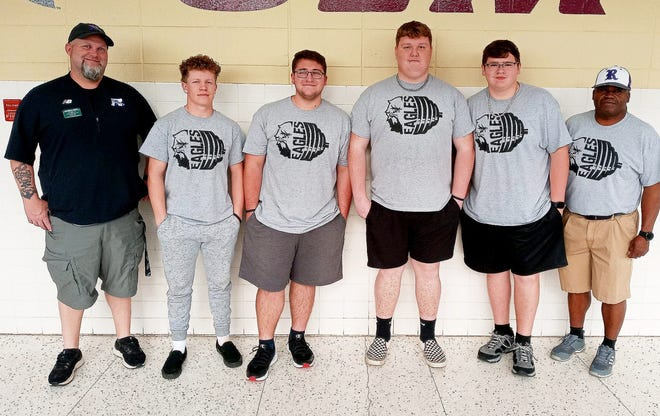 The Rosepine Eagles represented their school well at the LHSAA state powerlifting championships on Thursday by placing four in the top 7 in three divisions.