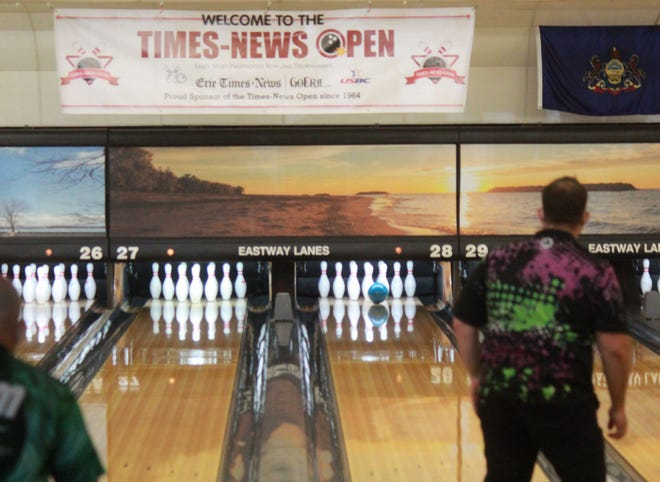Lee Eighmy watches his shot in the pocket during the semifinals of the Times-News Open at Eastway Lanes on Saturday.