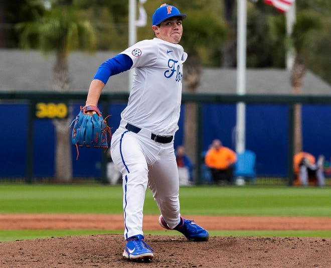 Florida starting pitcher Hunter Barco (3-1) helped the Gators sweep Texas A&M on Saturday at Florida Ballpark.