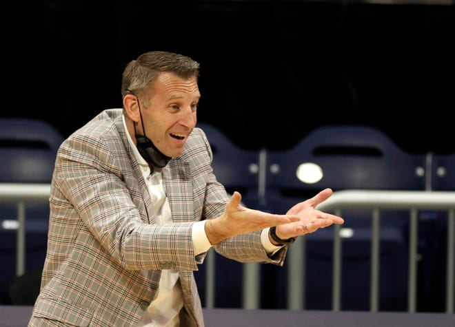Alabama head coach Nate Oats gestures from the sideline in the second half during the first round of the 2021 NCAA Tournament on Saturday, March 20, 2021, at Hinkle Fieldhouse in Indianapolis, Ind.