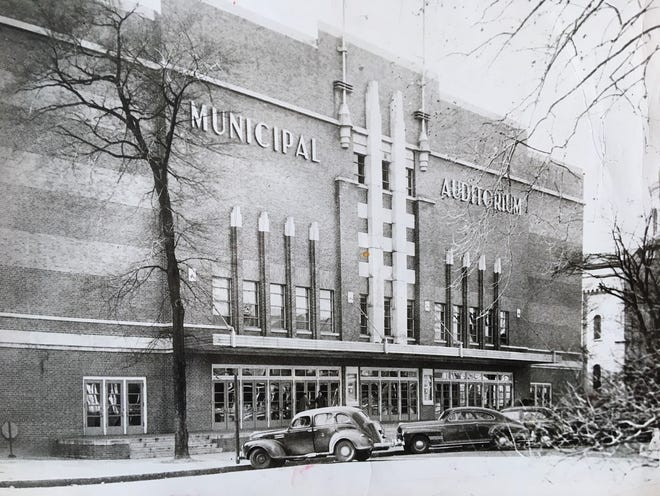 Augusta's Municipal Auditorium, now called Bell Auditorium, was dedicated this day in 1940.