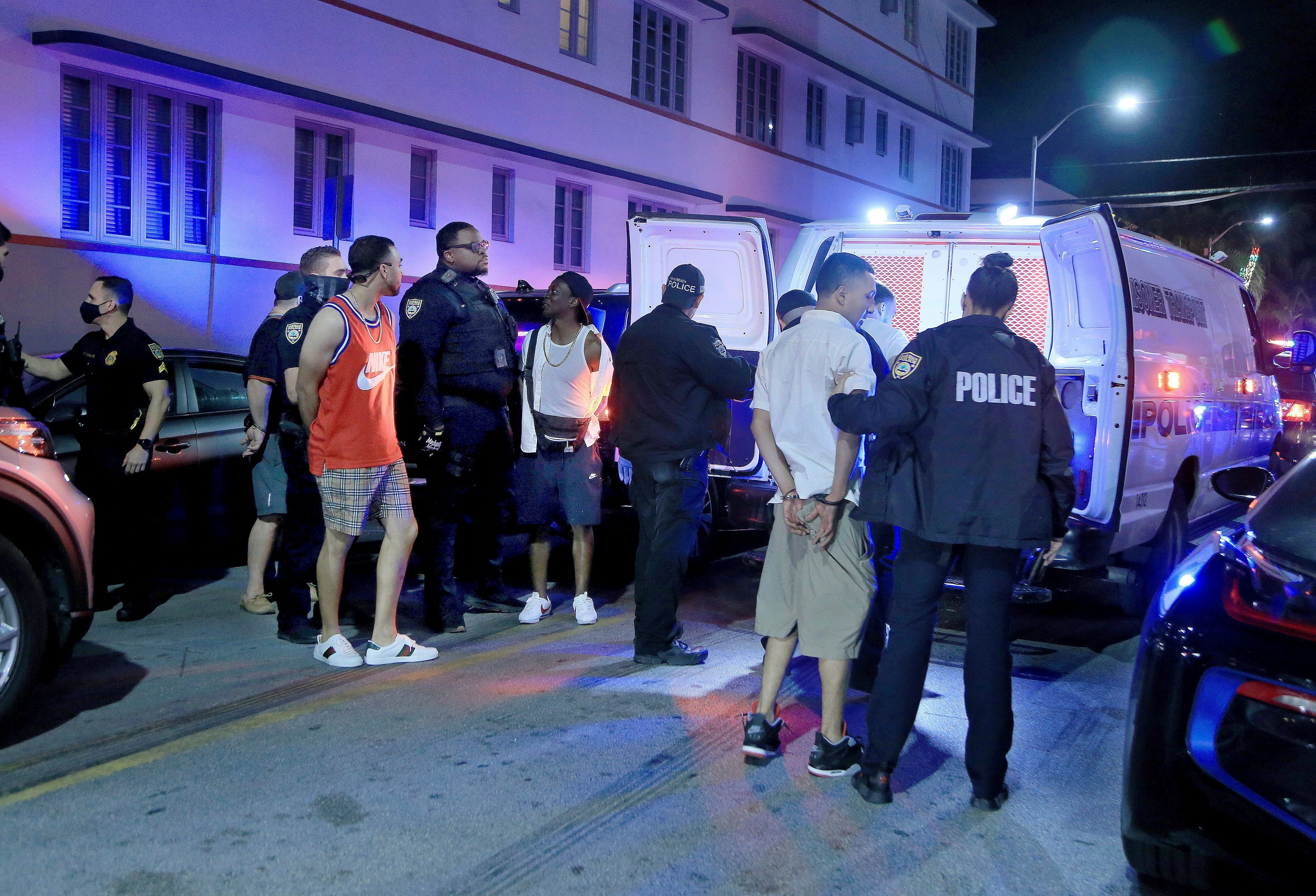 Miami sets earlier curfew after spring break crowds, fights 2