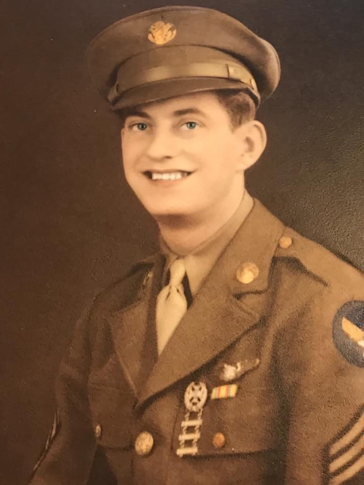 78 years after Alaska airman went missing in World War II, his remains are returned to his family 2