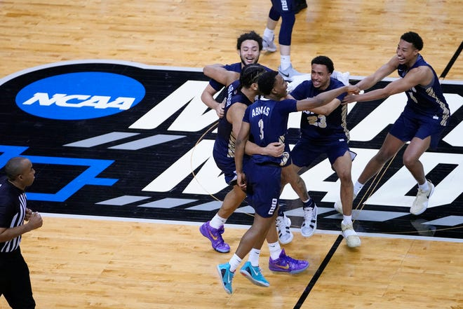 When Oral Roberts followed its first-round NCAA Tournament  knockout of Ohio State with a roundhouse that eliminated Florida on Sunday, it took some of the sting out of the Buckeyes' defeat.