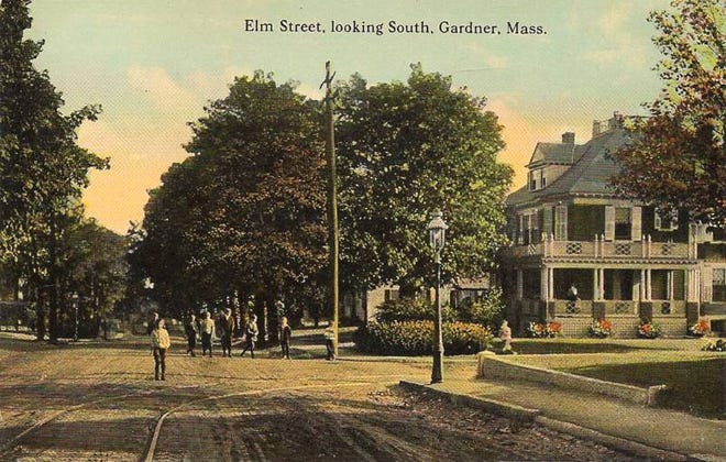 A postcard shows trolley tracks coming from Walnut Street and extending up Elm Street in Gardner.