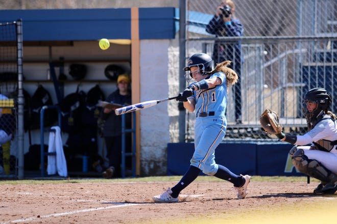 Kent State sophomore Julia Mazanec batted .400 in four games against Toledo last weekend.