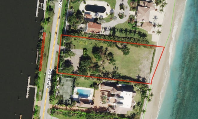 Outlined in red, a vacant ocean-to-lake lot of 1.45 acres at 1260 S. Ocean Blvd. in Manalapan has sold for a recorded $15.45 million in an off-market deal. The lot was sold by a company linked to the estate next door at 1280 S. Ocean Blvd., seen at the bottom.