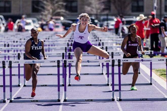 Tarleton heptathlete Emily Simon notched a personal record in the 100m hurdles (14.50) to place sixth at the Wes Kittley ACU Invitation  on Saturday in Abilene. In addition, Simon and high jump specialist Gentrye Munden tied for fifth in the women's high jump at 5' 03.00.