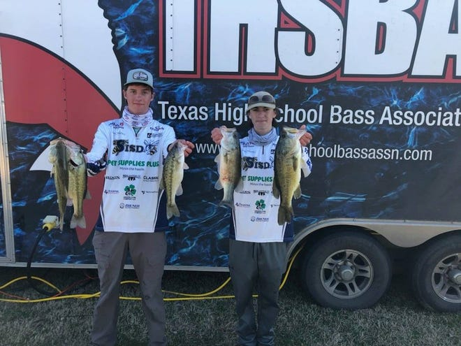 Clayton Easter and Mason Barney caught fivefish weighing 11.87 poundsand finished in 5th place winning $100 in gift cards and plaques when the SHS Bass Club competed on March 6 at Lake Ray Roberts.