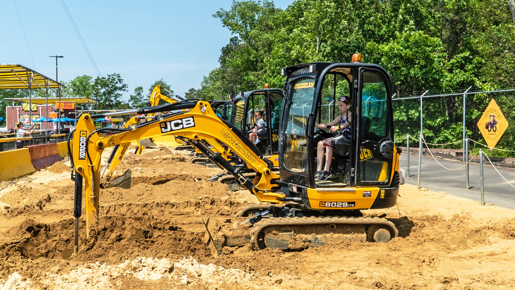 Kids can learn to operate a real machinery and dig until their hearts are content on the Big Diggers. This supervised attraction offers family-friendly machinery and the chance to really get down and experience real machines!