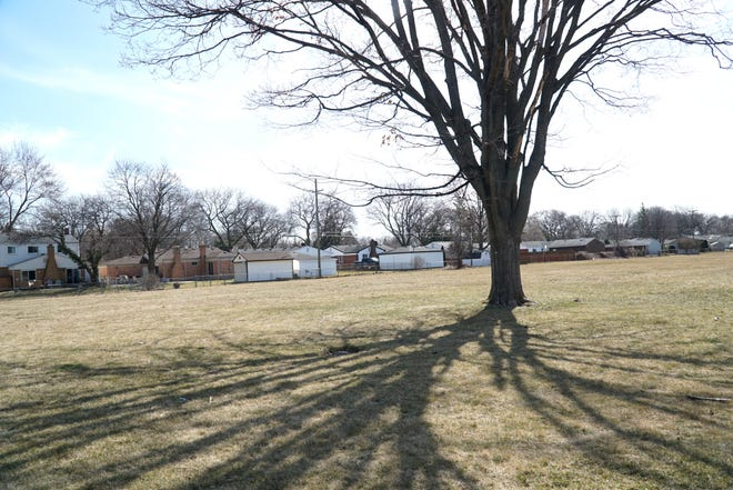 A developer is proposing developing 32 homes on this site of the former Webster Elementary in Livonia just southwest of the corner of Lyndon and Susanna.