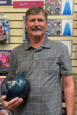 Wayne Donnafield nailed his first 300 game at the Virgin River Bowling Center last week and also notched his first 700 series on games of 300, 225 and 202.