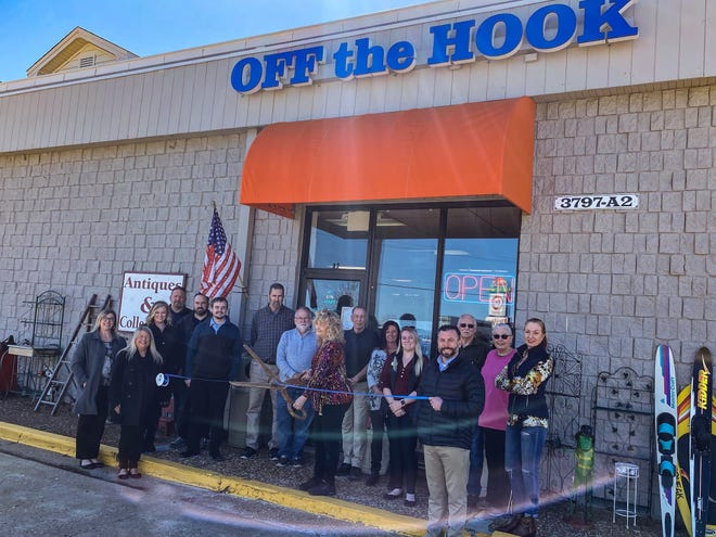 Lake Area Chamber holds a ribbon cutting for Off the Hook Antiques & Collectibles.