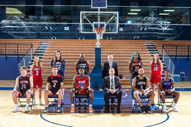 THE TOPEKA CAPITAL-JOURNAL 2021 ALL-STATE BASKETBALL TEAMS Boys front row (left to right): Jayden Garrison, Little River; Zeke Mayo, Lawrence; Mark Mitchell, Miege; Coach of the Year Darrel Knoll, Hillsboro; Sterling Chapman, Campus; and Alston Mason, Blue Valley Northwest. Girls back row (L to R): Kylee Scheer, Cheney; Beatrice Culliton, Aquinas; NiJaree Canady, Topeka High; Coach of the Year Tyler Stewart, Shawnee Mission Northwest; Kennedy Taylor, SM Northwest; and Payton Verhulst, Miege.