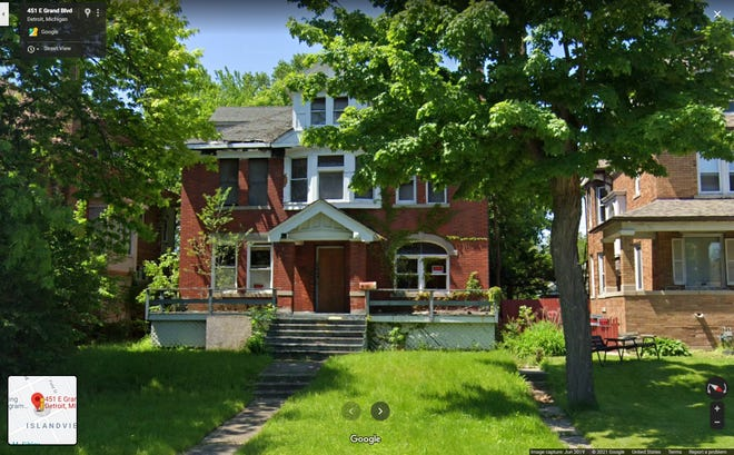 """The star of HGTV's """"Rehab Addict Rescue"""" Nicole Curtis apparently was """"scammed"""" when she bought a blighted Detroit home on E. Grand Bluv.  from someone who wasn't the owner, Detroit Mayor Mike Duggan."""