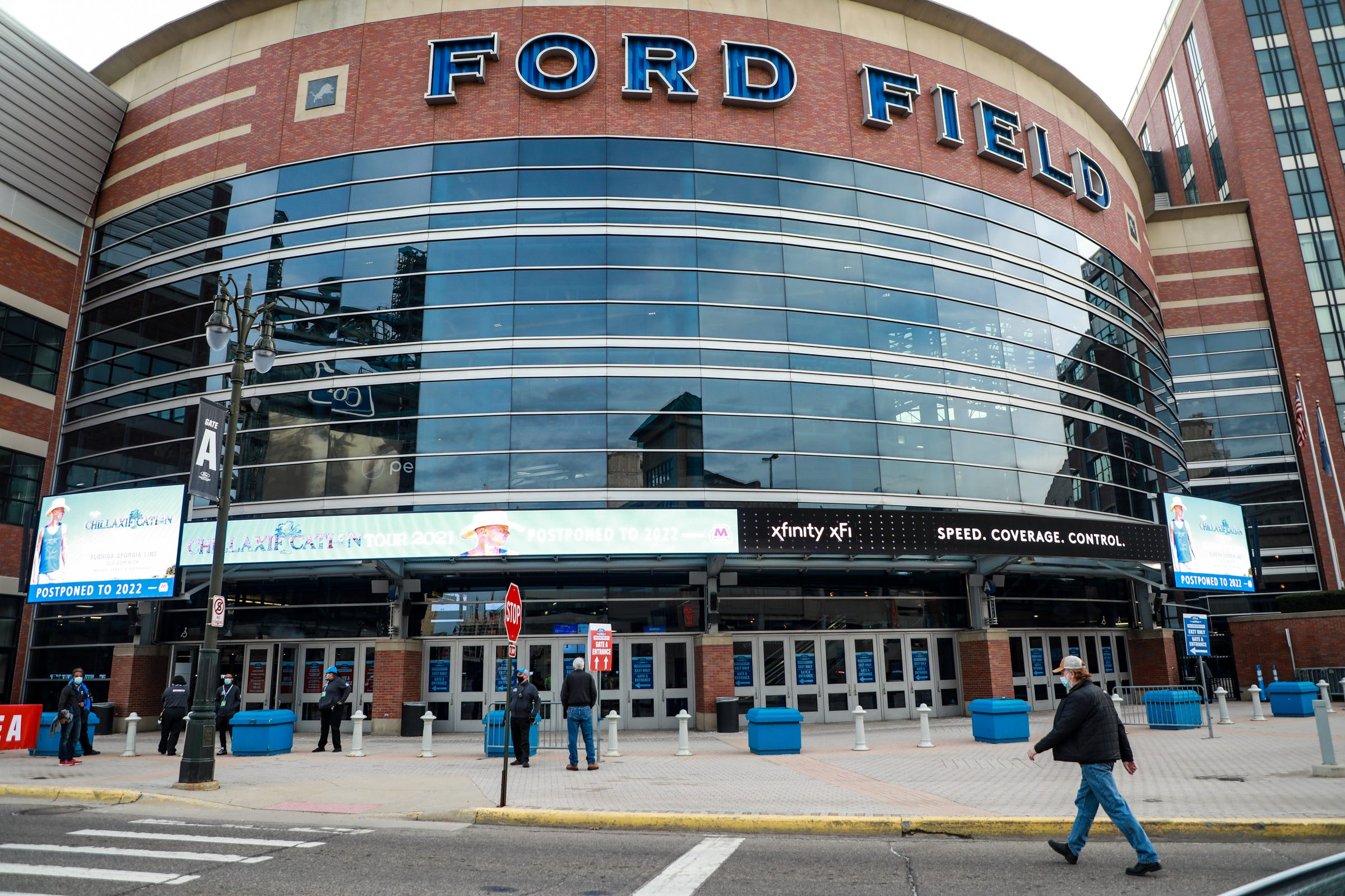 Federally operated COVID-19 mass vaccination clinic inside Ford Field ends Monday